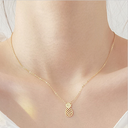 Beautiful collarbone necklace