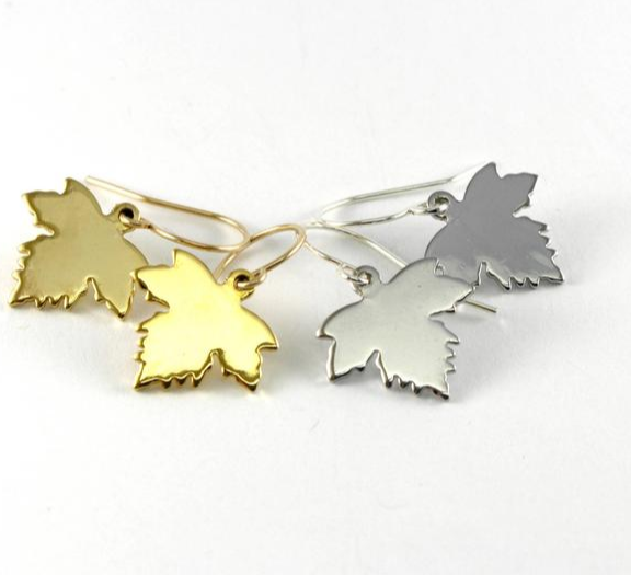 Maple leaf earrings in two colors