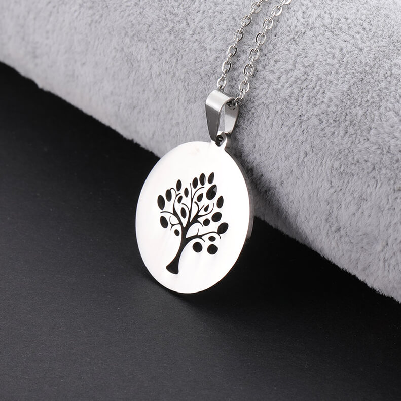 This is tree of life pendant.
