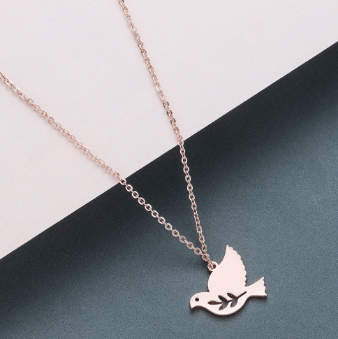 This is bird pendant necklace.