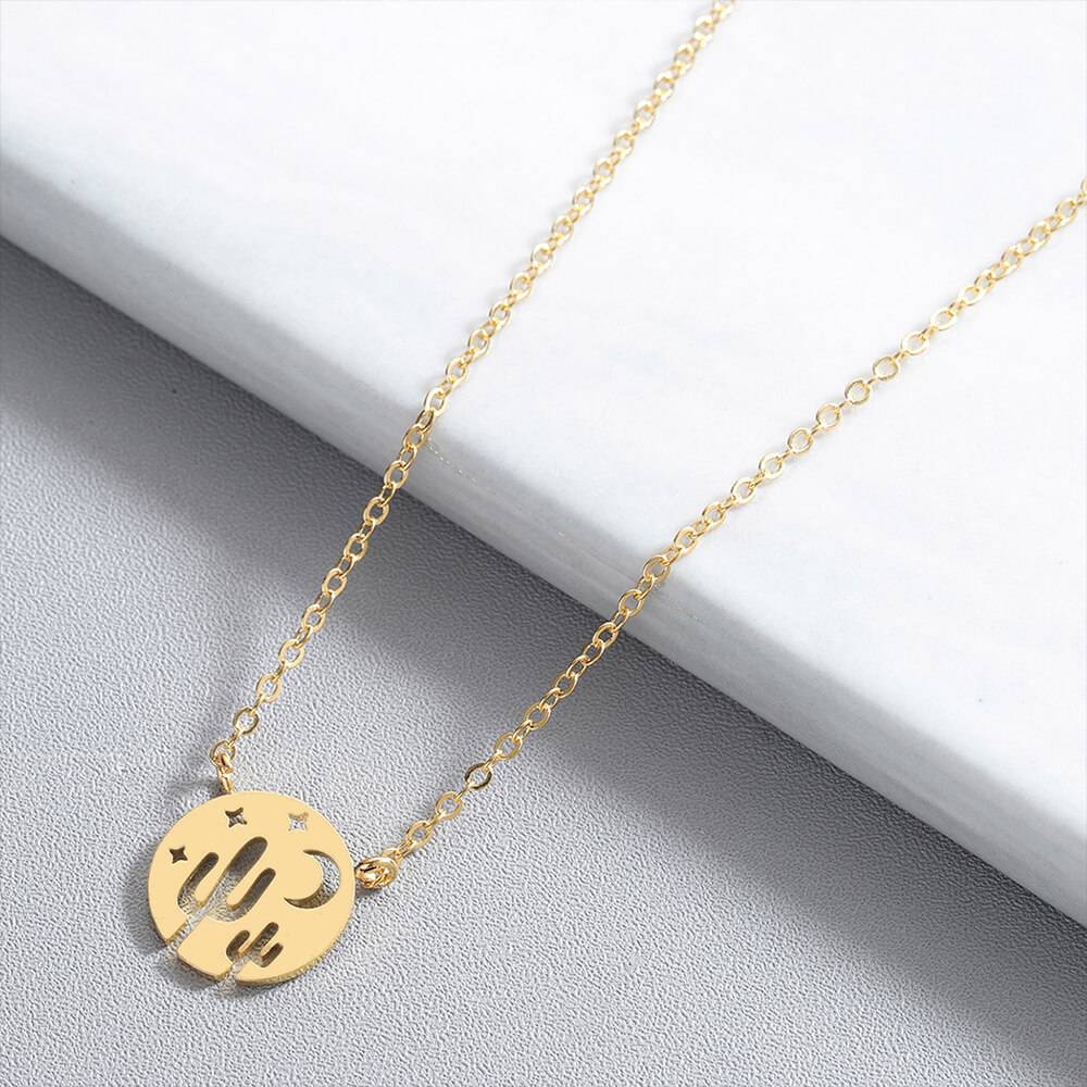This is gute gold necklace.