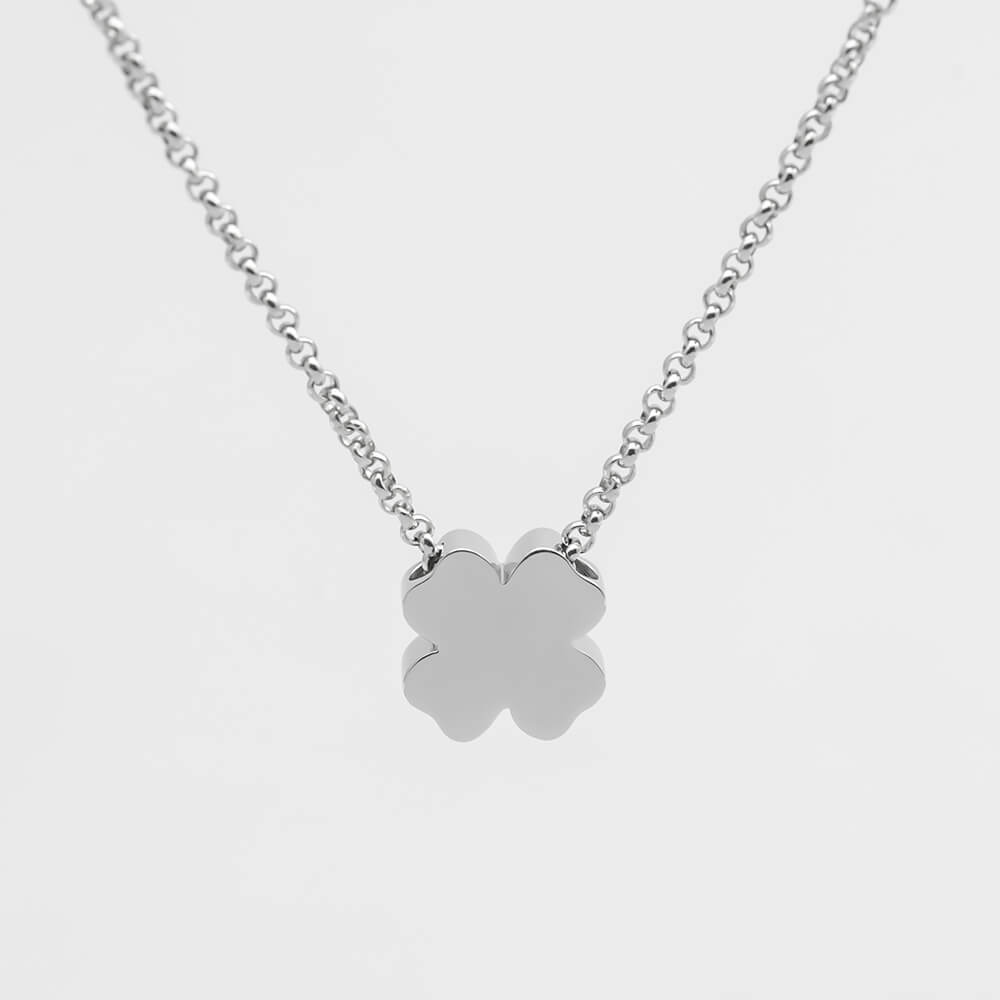 This is clover pendant necklace.