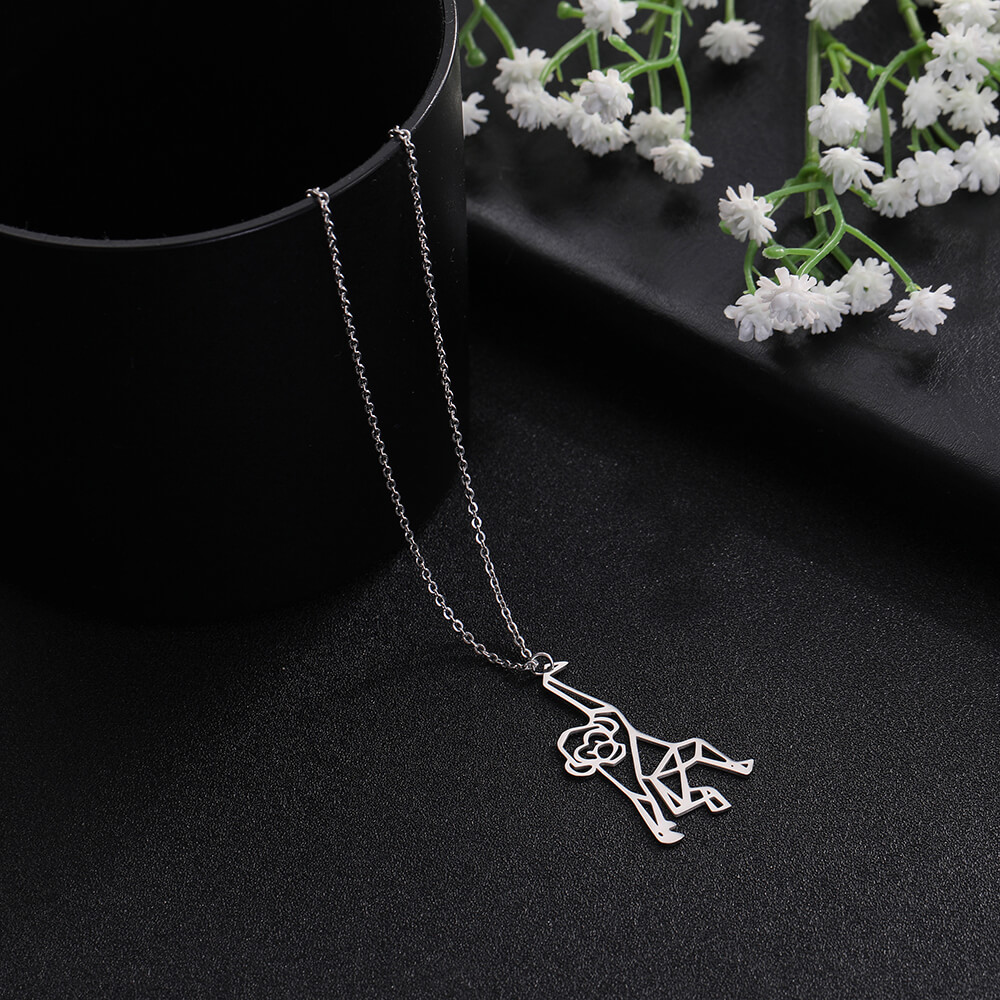This is pendant necklace.
