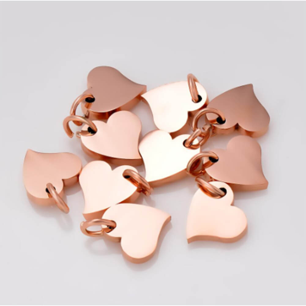 There are heart pendants.