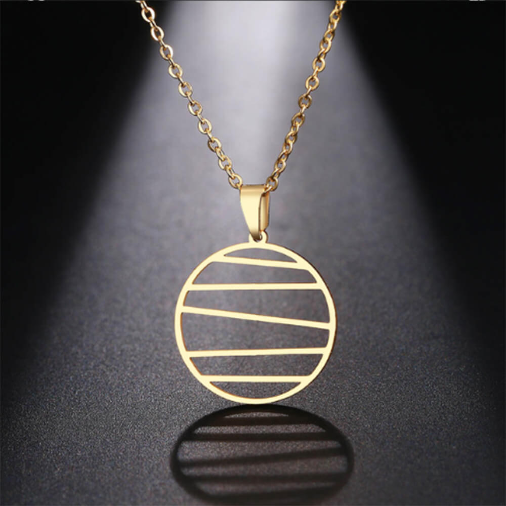 This is circle pendant necklace.