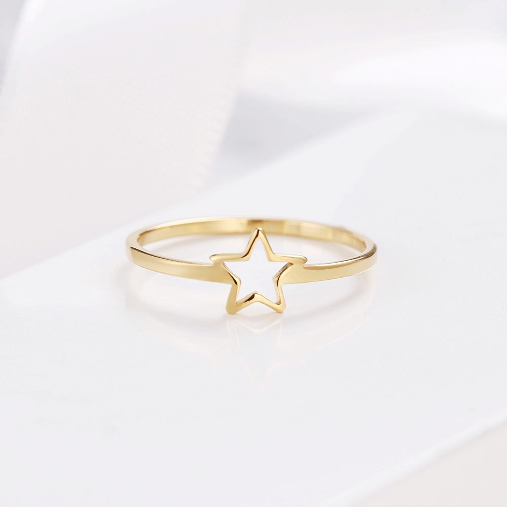This is a star ring.