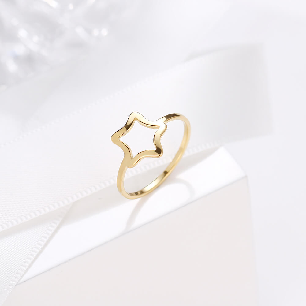 This is simple design ring.