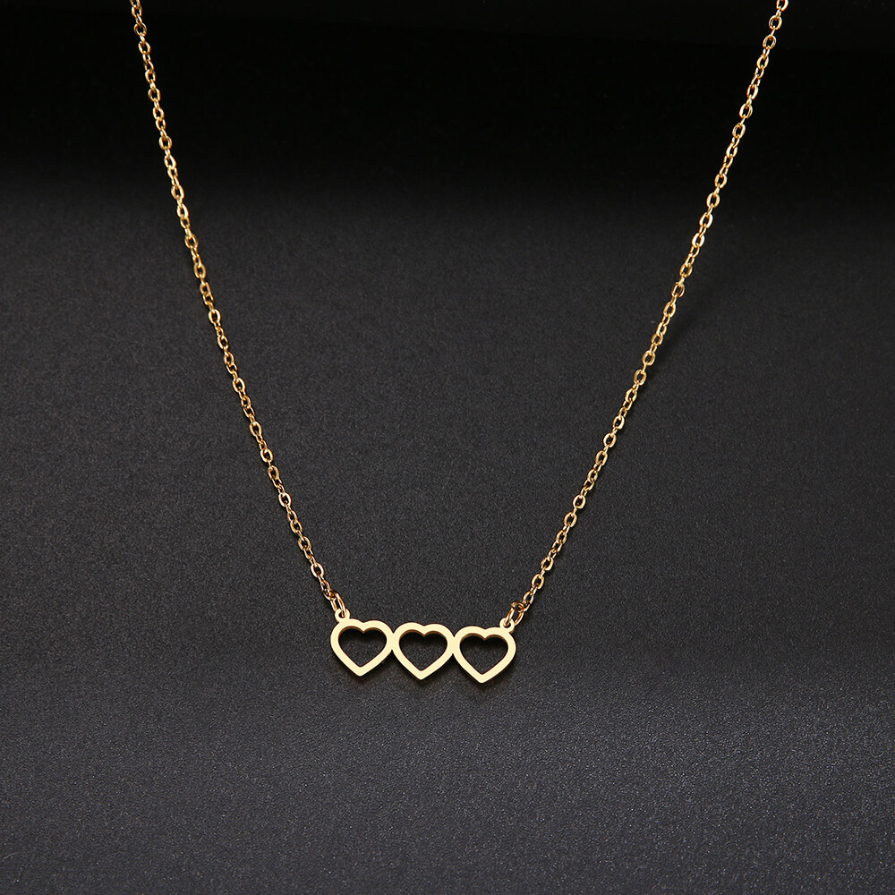 This is three heart pendant.
