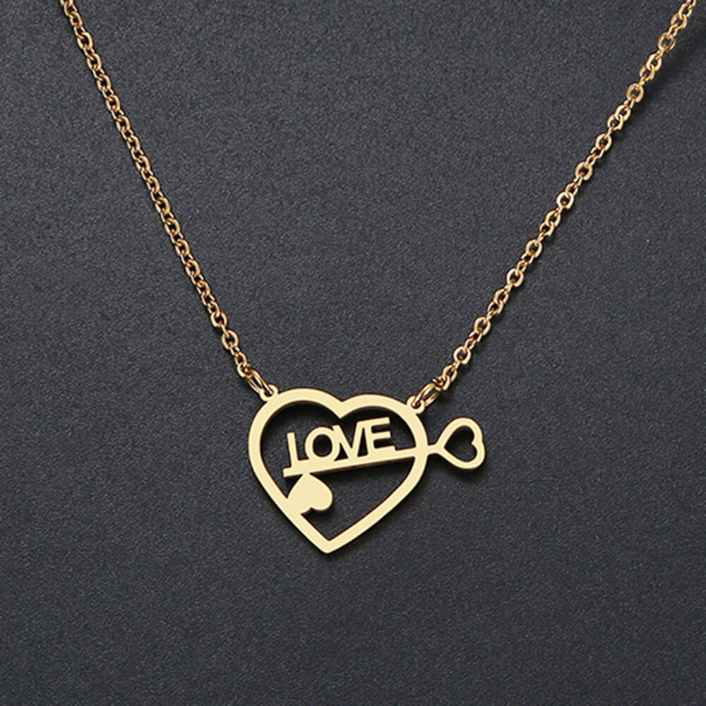 This is love necklace.