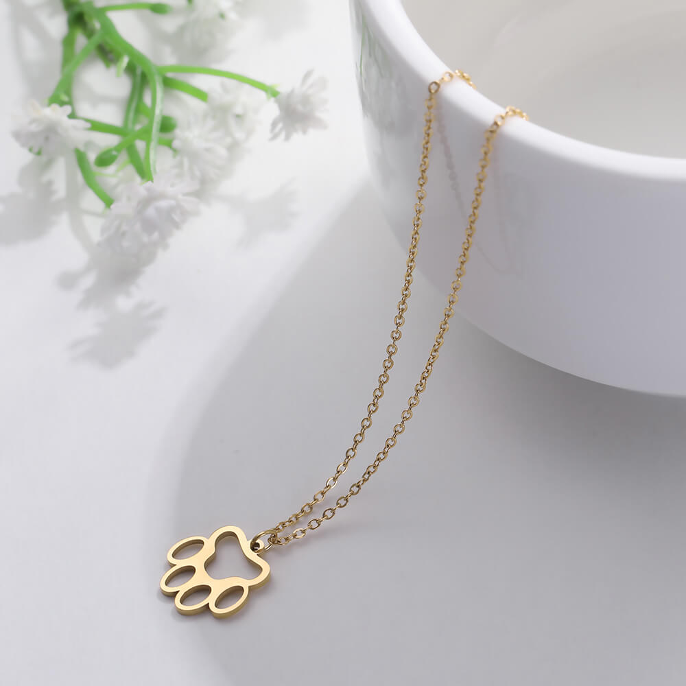 This is cute animal necklace.