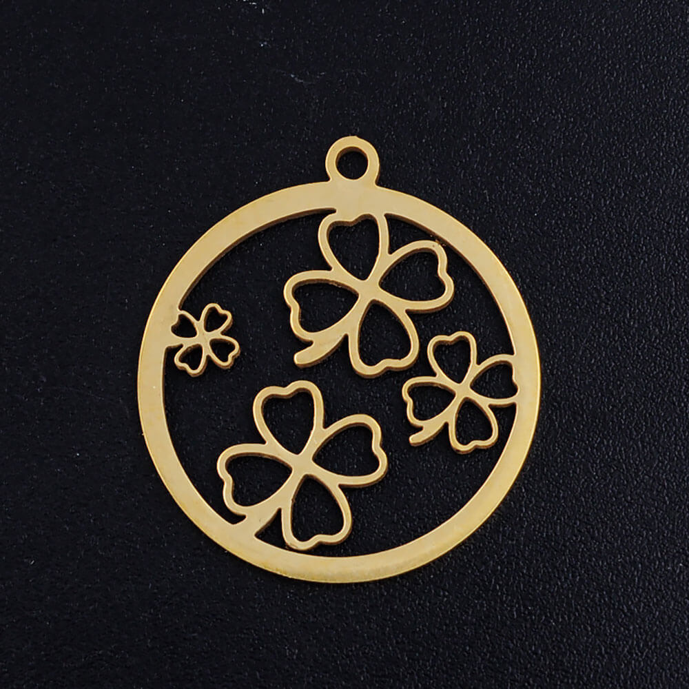 This is clover pendant.