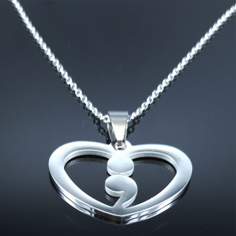 heart comma necklace